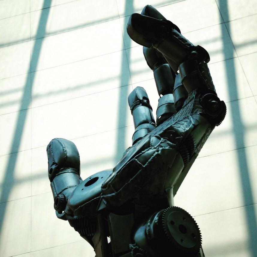 Transhuman-Cyborge-Hand
