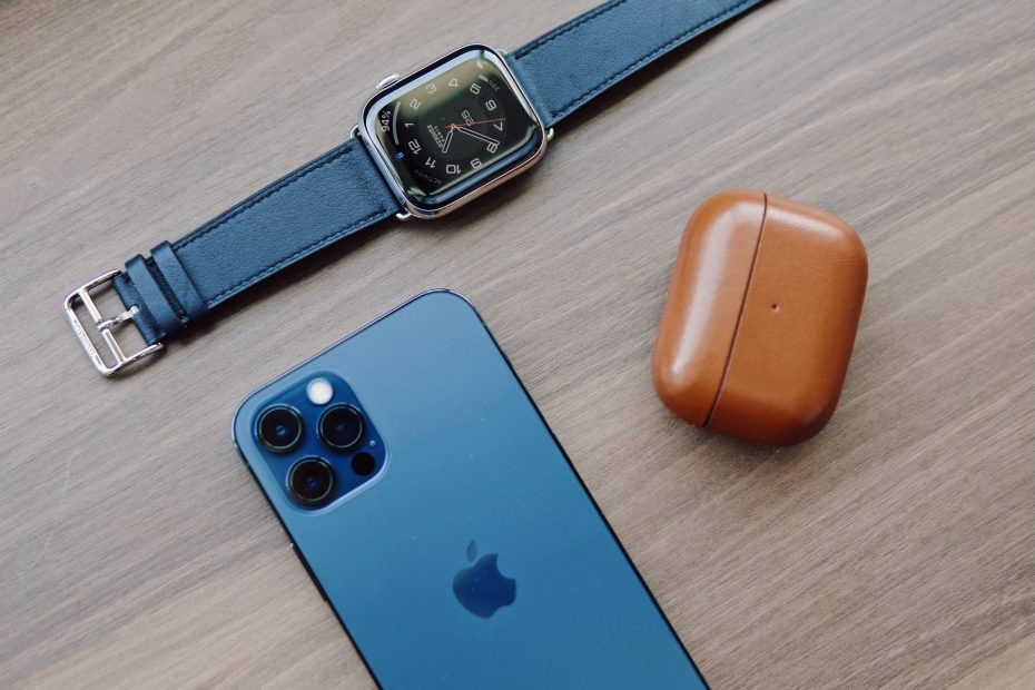apple watch replace iphone